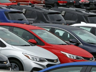 Wholesale of Automobiles slows in June because of stock liquidation by way of dealers